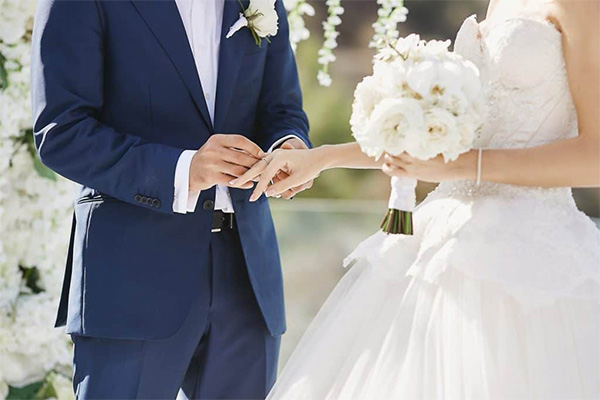 The Pros and Cons of Wedding Loans